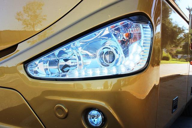 světlo autobusu, zlatý autobus
